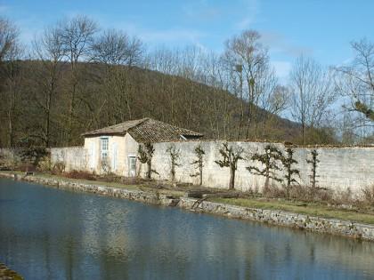 Huisraad biedt kasteel te koop aan in noord frankrijk in for Vijver te koop ardennen